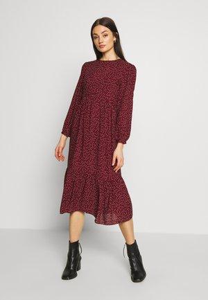 LORNA SPOT TIER SMOCK MIDI - Jersey dress - red