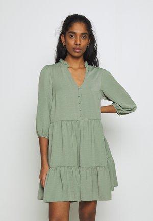 BONE FRONT SMOCK - Sukienka letnia - light green