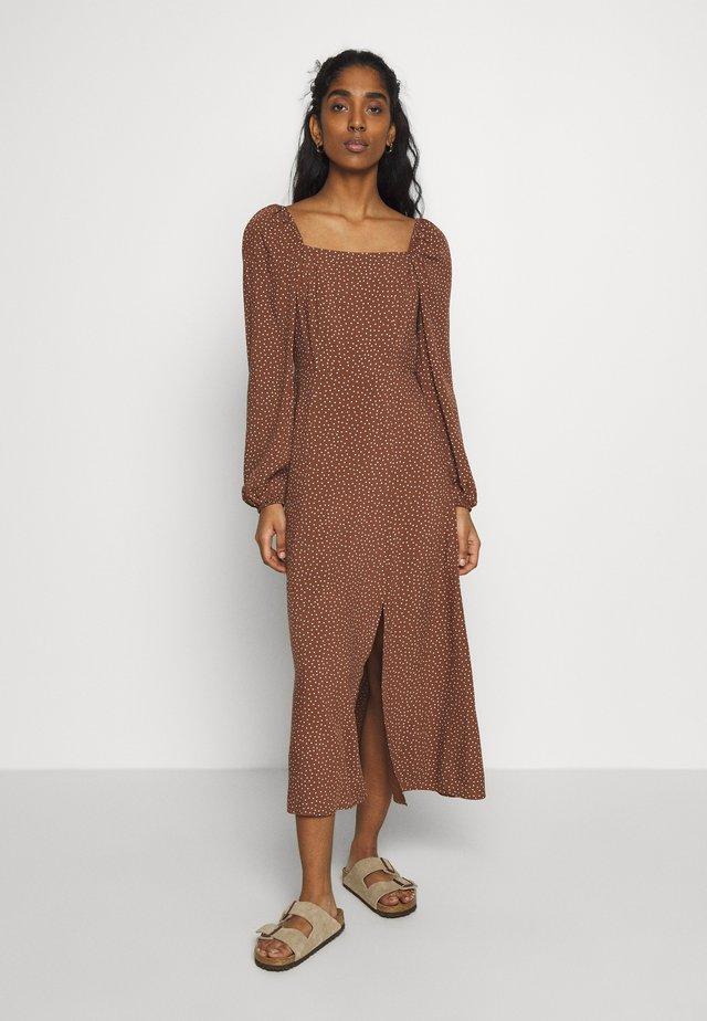 PRINT PRAIRIE MIDAXI - Korte jurk - brown
