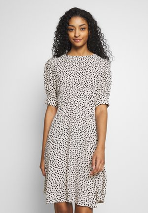 SPOT PUFF TEA DRESS - Kjole - white pattern