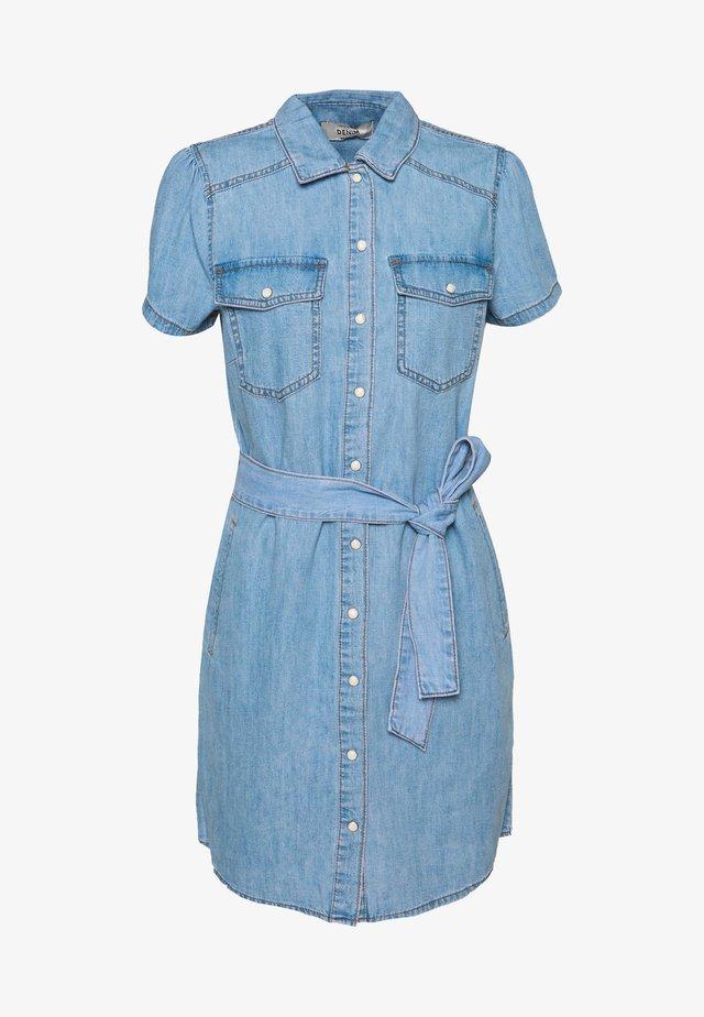 ANNA SHORT SLEEVE DRESS - Spijkerjurk - light blue