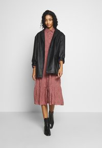New Look - MAGGIE MAE TIER MIDI SHIRT DRESS - Skjortekjole - pink - 1
