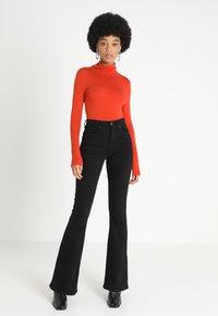 New Look - ROLL NECK - Maglietta a manica lunga - burnt orange - 1