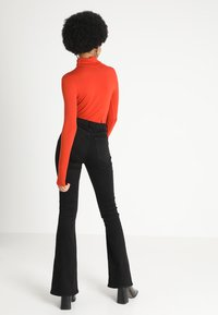 New Look - ROLL NECK - Maglietta a manica lunga - burnt orange - 2