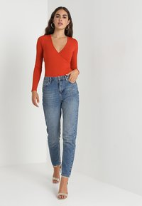 New Look - CARLY LONG SLEEVE WRAP BODY - Long sleeved top - rust - 1