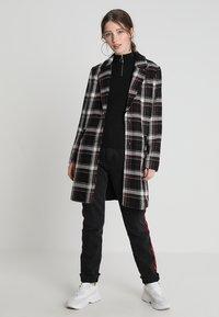 New Look - ZIP - Langærmede T-shirts - black - 1