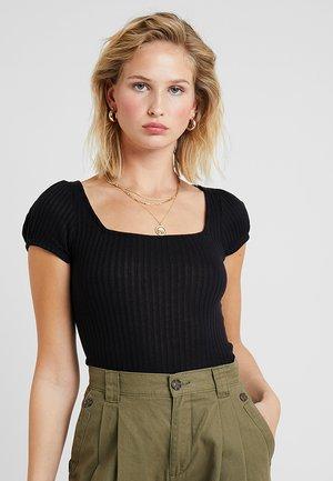 SQUARE NECK - Basic T-shirt - black