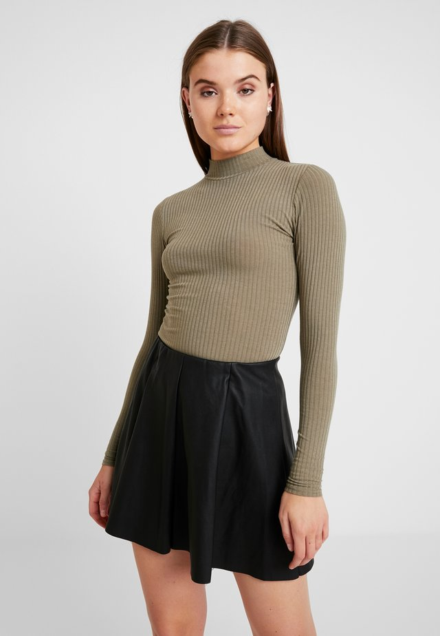 TURTLE NECK BODY - Pitkähihainen paita - light khaki