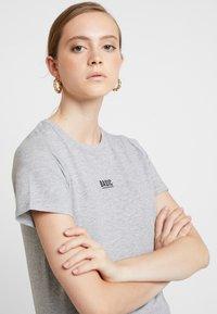 New Look - BASIC TEE - Print T-shirt - grey marl - 3