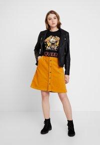 New Look - QUEEN ROCK - T-Shirt print - black - 1