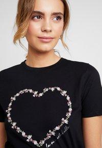 New Look - ROSE HEART TEE - Print T-shirt - black - 5