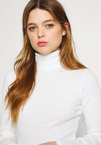 New Look - ROLL NECK - Trui - off white - 4