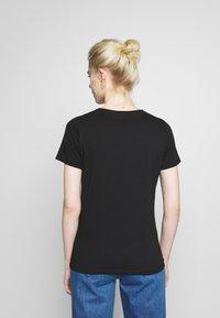 New Look - HAPPY DAISY TEE - Print T-shirt - black - 2