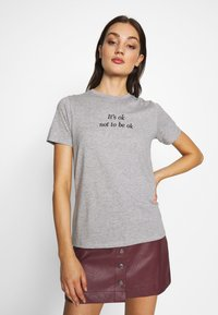 New Look - ITS OK NOT TO BE OK - Print T-shirt - grey - 3
