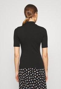 New Look - TURTLE - T-shirts med print - black - 2