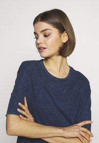 New Look - TEE - Basic T-shirt - mid blue - 4