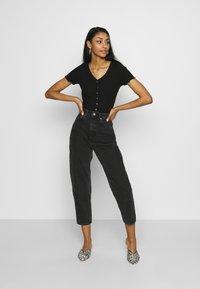 New Look - VARI BUTTON TEE - T-Shirt print - black - 1