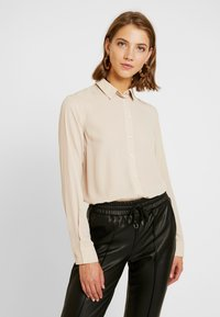New Look - PLAIN LEAD - Skjorta - camel - 0