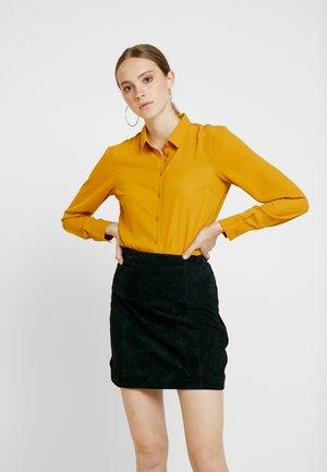 PLAIN LEAD - Košile - mustard
