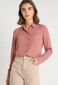 New Look - PLAIN LEAD - Skjorte - dusty pink - 0