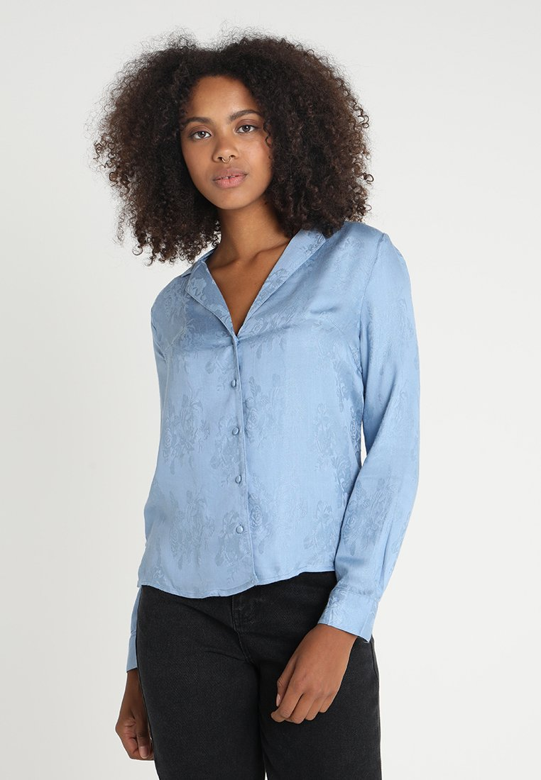 New Look - JACKIE - Button-down blouse - light blue