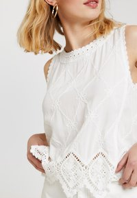 New Look - LEXIE LATTICE SHELL - Blus - white - 4