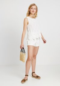New Look - LEXIE LATTICE SHELL - Blus - white - 1