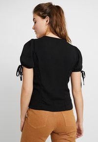 New Look - BOBBY TIE BUTTON BLOUSE - Blusa - black - 2