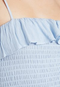 New Look - PLAIN SHIRRED BODY FRILL CAMI - Bluser - light blue - 5