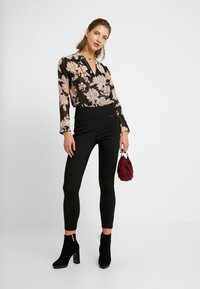 New Look - FLORAL BODY - Blouse - black - 1