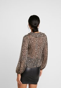 New Look - ANNIE ANIMAL FRILL FRONT - Blouse - black - 2