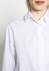 New Look - CROP SHIRT - Camicia - white - 4