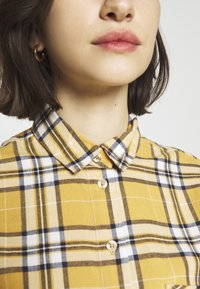 New Look - STANLEY MUSTARD CHECK - Blouse - yellow - 5