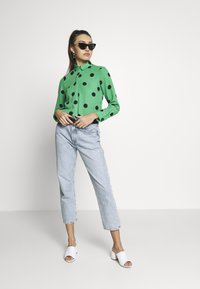 New Look - SPOT SHIRT - Button-down blouse - green - 1