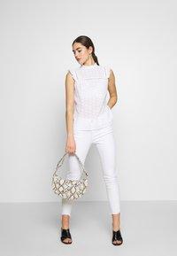 New Look - SUNNY CUTWORK PIECRUST SHELL - Bluser - white - 1