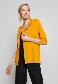 New Look - CREPE - Blazer - dark yellow - 0