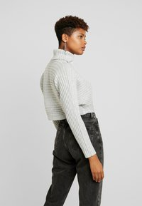 New Look - ROLL CROP - Sweter - light grey - 2