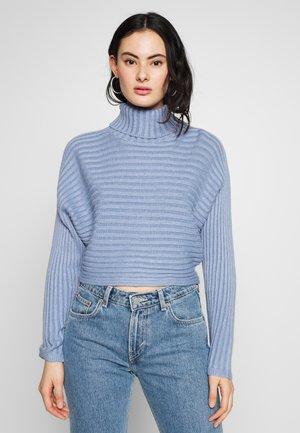 ROLL CROP - Sweter - light blue