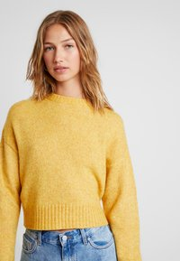 New Look - Strikkegenser - mustard - 3