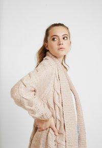 New Look - Gilet - deep pink - 3