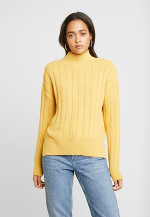 WIDE SIDE SPLIT STAND NECK JUMPER - Jumper - mustard