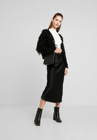 New Look - LOOPY CARDIGAN - Cardigan - black - 1