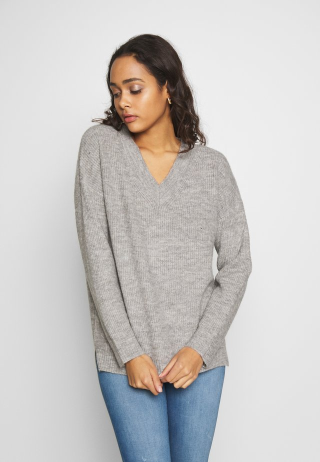 RECYCLED V NECK JUMPER - Sweter - light grey