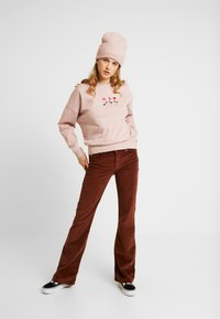 New Look - LOVE MORE - Bluza - nude - 1