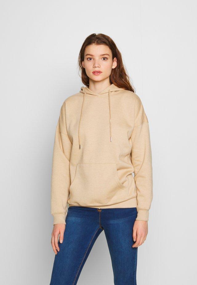 HOODY - Bluza z kapturem - camel