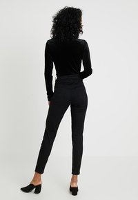 New Look - HIGHWAIST - Jeans Skinny - black - 2