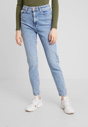 WAIST ENHANCE MOM - Jeans baggy - mid blue