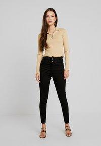 New Look - SUPER - Jeans Skinny Fit - black - 1