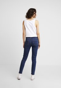 New Look - WOW KNEE RIP - Jeans Skinny Fit - mid blue - 2
