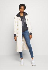 New Look - VINTAGE DISCO BUSTED KNEE KATHY - Jeans Skinny - teal - 1